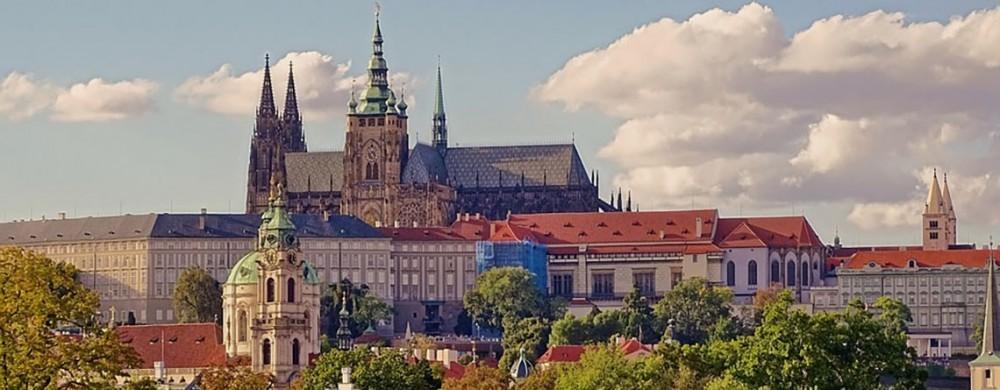 Becas completas para cursar una maestría en la Universidad Charles de Praga