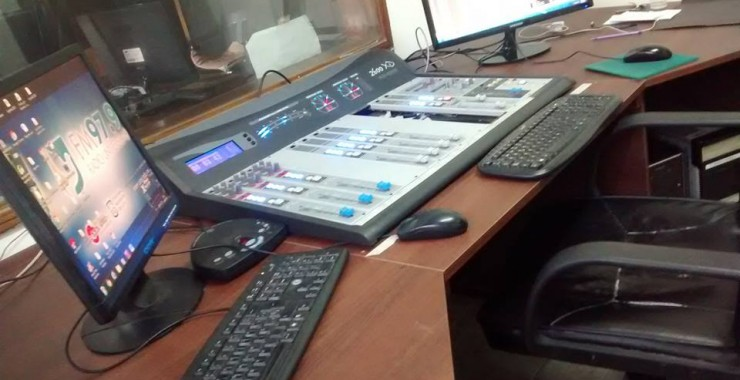 Se puso en valor el control central de sonido de Radio Universidad
