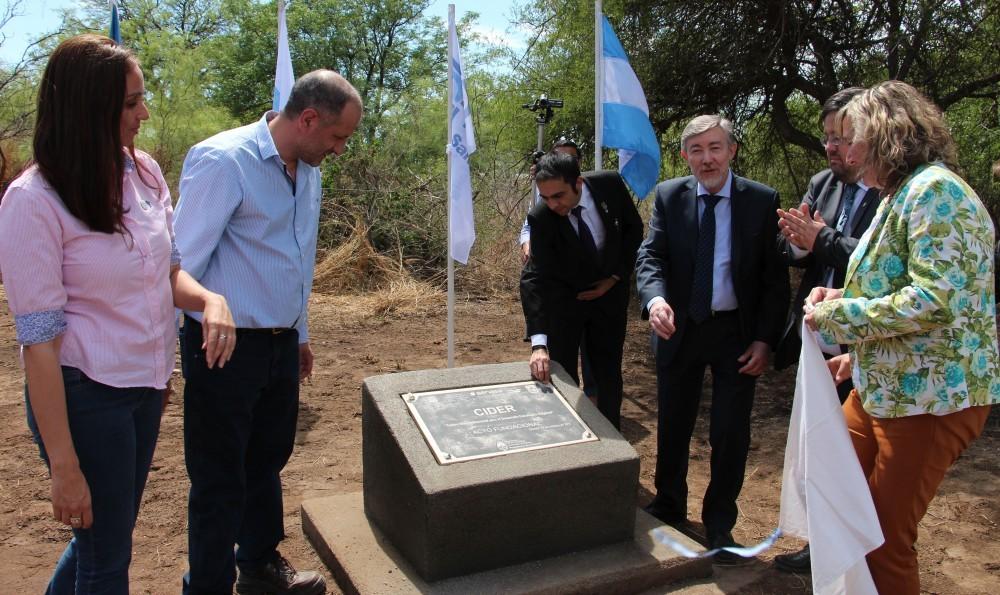 Se descubrió la piedra fundacional del Centro Tecnológico de Quines