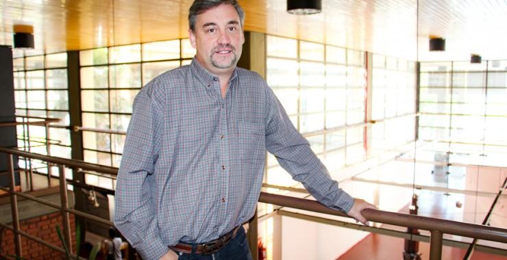 Docente de la Universidad elegido por CNN en Español