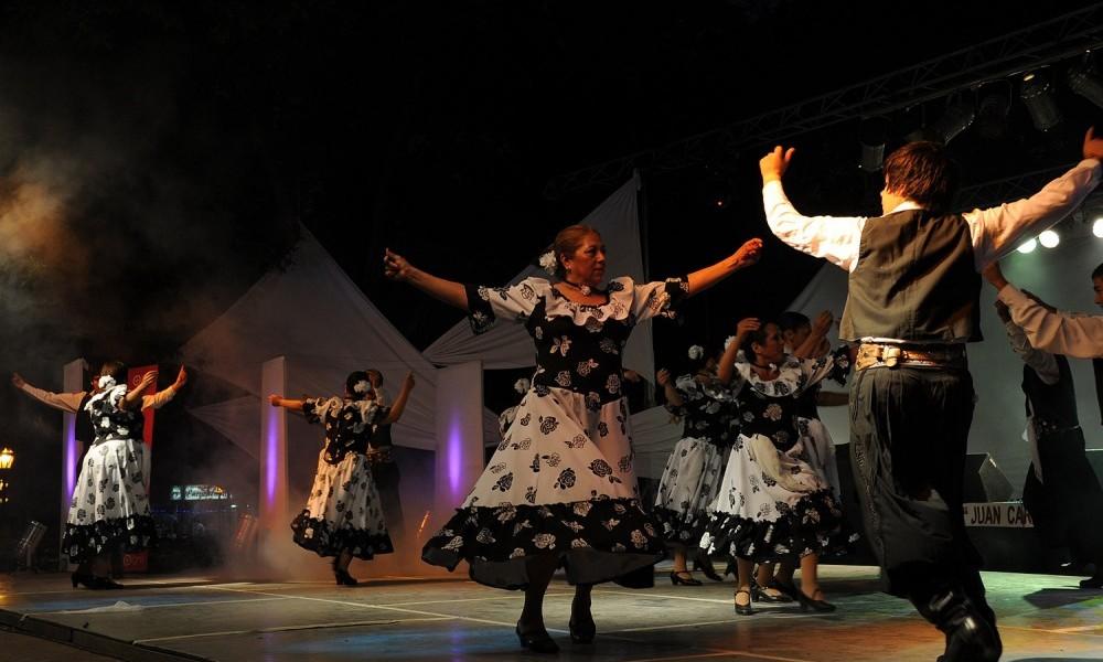 Aprendé a bailar nuestras danzas nativas argentinas