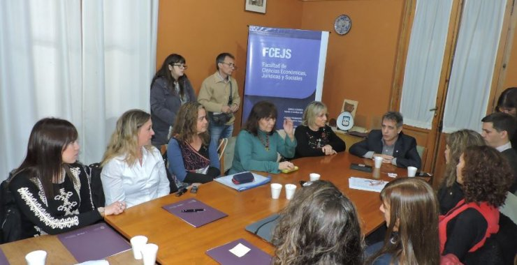 Consolidan prácticas para estudiantes en Acompañamiento Terapéutico