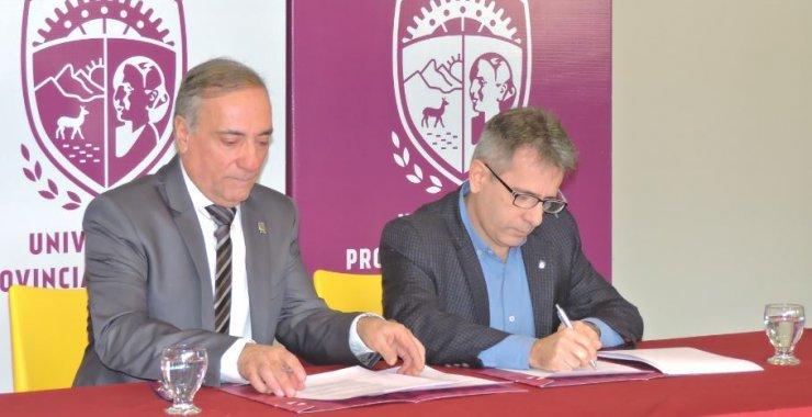 Rubrican convenio específico con la Universidad Provincial de Oficios