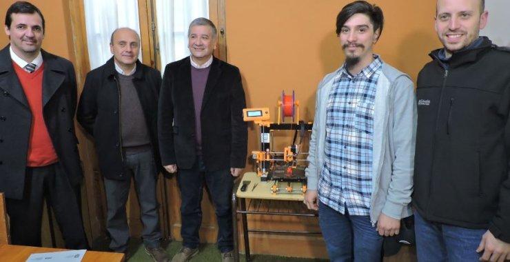 Donan tecnología 3D a una escuela técnica de Villa Mercedes