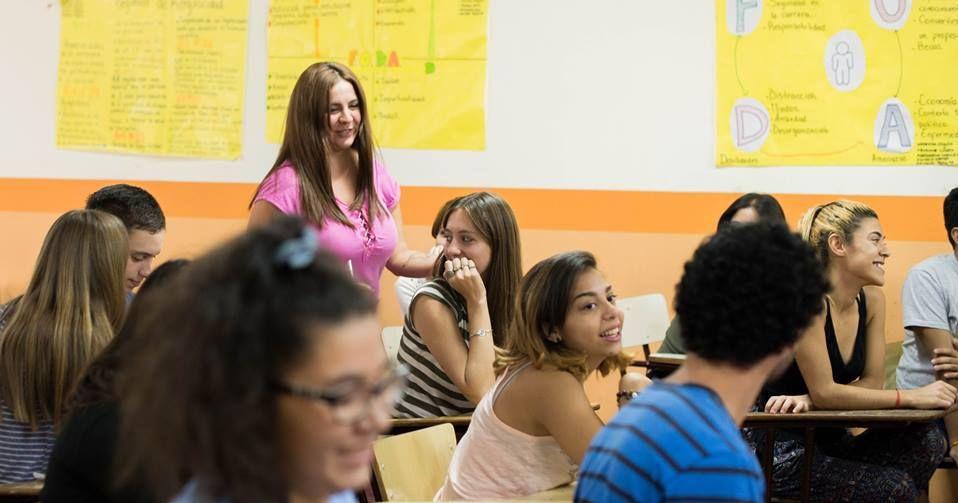 Capacitan a docentes y tutores de los primeros años de las carreras