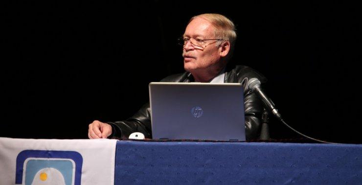 Díaz Barriga y los desafíos de refundar la profesión docente