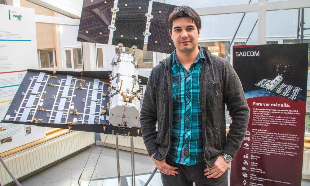 Profesional de la UNSL participó en la construcción del satélite SAOCOM 1A