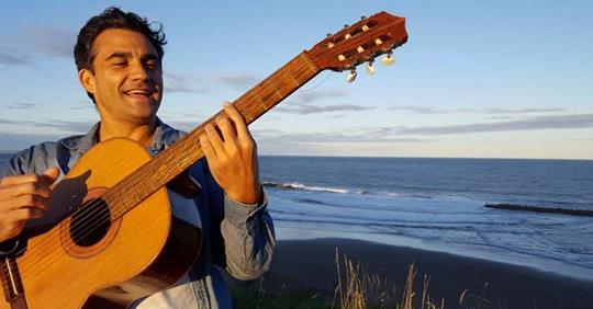 Guillermo Guiñazú presenta Raíces en el Mar