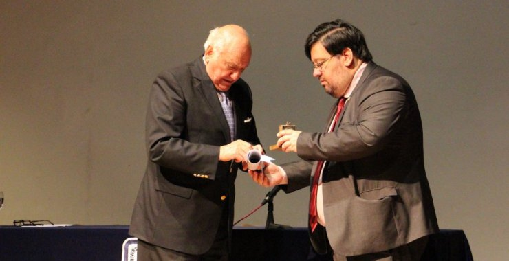 El Dr. Alberto Taquini recibió el título Doctor Honoris Causa