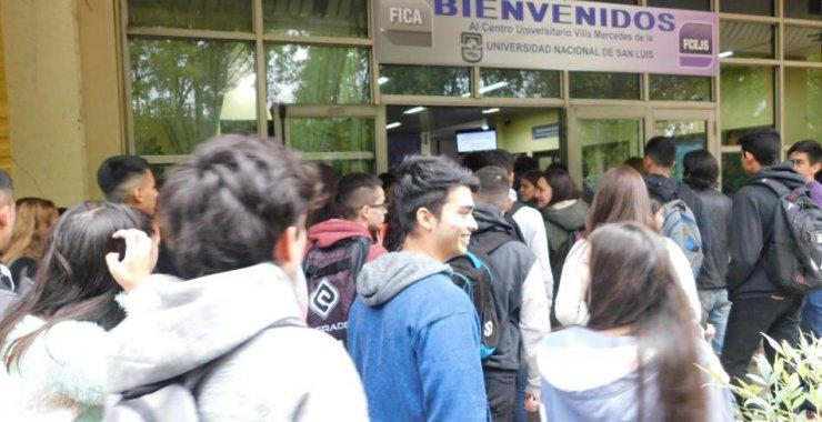 La UNSL le dio la bienvenida a los ingresantes en Villa Mercedes
