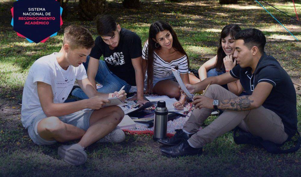 Inscriben para realizar movilidades estudiantiles en otras universidades del país