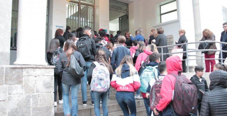 Con más de 1.600 estudiantes la Escuela Normal inició su ciclo lectivo