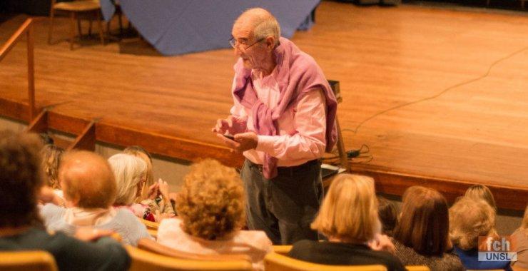 Inscriben a cursos y talleres para adultos mayores