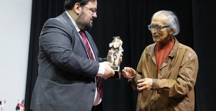 Lidio Sotomayor recibió el premio Polo Godoy Rojo