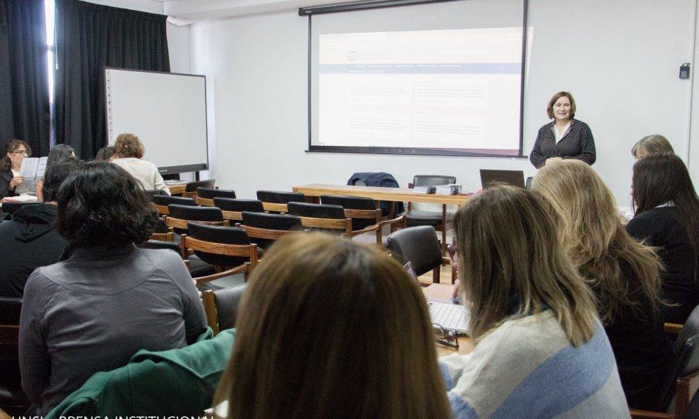 Capacitan sobre Indicadores Académicos Institucionales