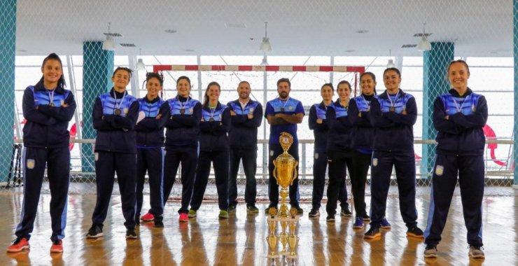 Campeonas: el handball femenino de la UNSL en lo alto