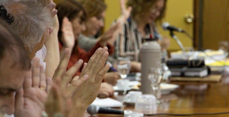 Evalúan realizar una sesión presencial del Consejo Superior