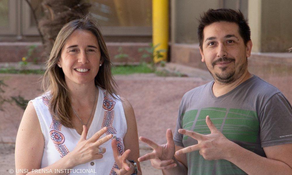 Crean señas que fortalecen la enseñanza de la química para hipoacúsicos