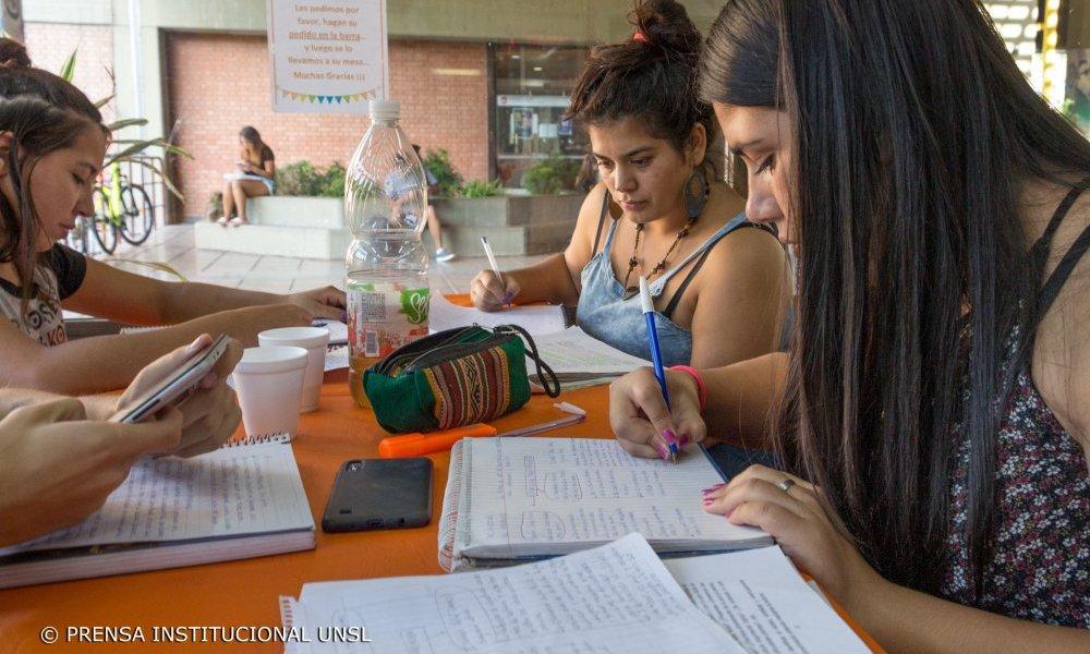 Orientación Vocacional, un programa que apuesta al ingreso y permanencia estudiantil