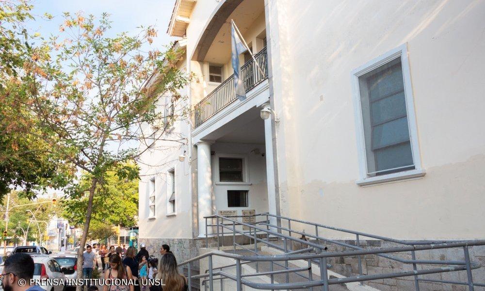 Disposiciones de la Escuela Normal para el nivel secundario