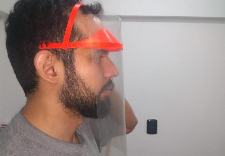 Diseñan prototipos de máscaras para el Sistema de Salud en impresoras 3D