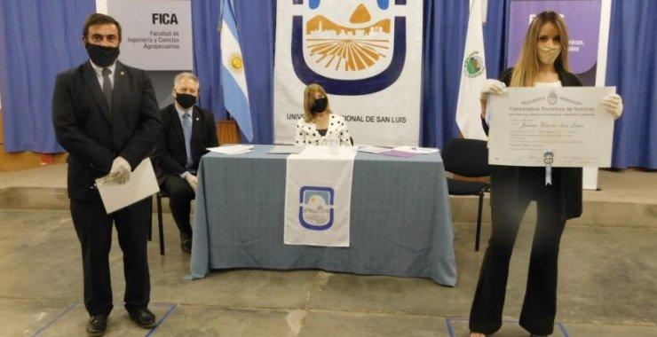 Más de 50 egresados recibieron sus diplomas en Villa Mercedes