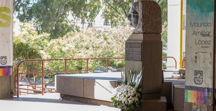 En el Día Internacional de los Derechos Humanos homenajearon al ex rector Mauricio López
