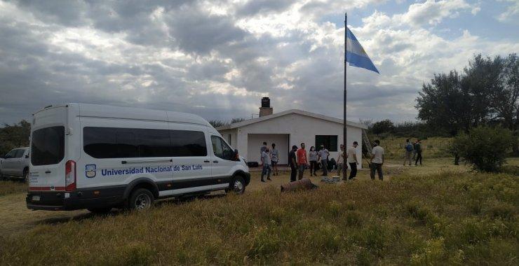 Se instaló con éxito el sistema eólico en el paraje rural Guanaco del Morro