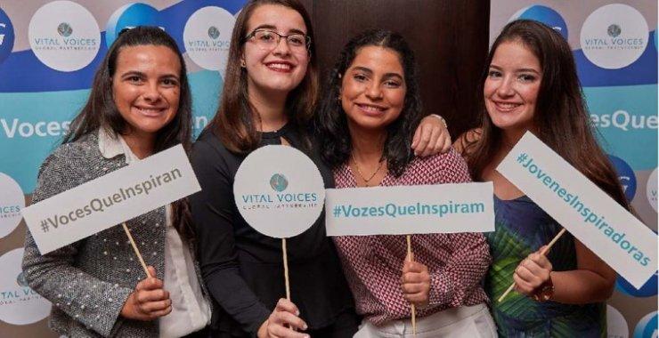 Voces que inspiran: una beca para mujeres jóvenes