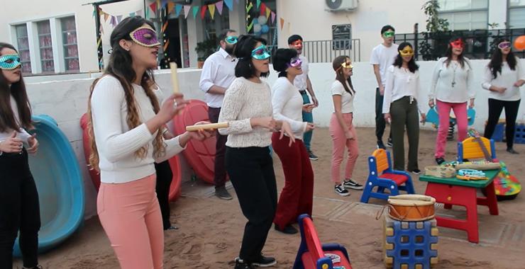 Cantando para las infancias en el Jardín Maternal